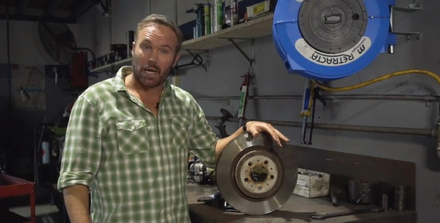 Bendix FAQ – Question: My customer complains that his brake pads are wearing out too quickly. Why?